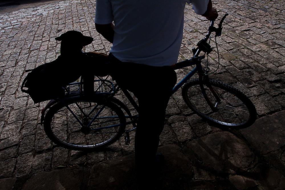 Pocos de Caldas_MG, Brasil...Ciclista em Pocos de Caldas, Minas Gerais...Cyclist in Pocos de Caldas, Minas Gerais...Foto: MARCUS DESIMONI / NITRO
