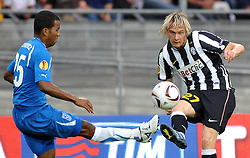 16.09.2010, .Stadio OIimpico, Turin, ITA, UEFA EL, Juventus Turin vs Lech Poznan, im Bild Milos Krasic (Juventus) and Luis Henriquez (Lech Poznan).EXPA Pictures © 2010, PhotoCredit: EXPA/ InsideFoto/ Giorgio Perottino +++++ ATTENTION - FOR AUSTRIA AND SLOVENIA CLIENT ONLY +++++... / SPORTIDA PHOTO AGENCY