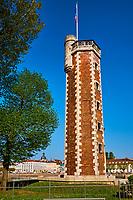 France, Saône-et-Loire (71), Chalon-sur-Saône, la Tour du Doyenné, hexagonale, du XVe siècle sur l'île Saint-Laurent // France, Saône-et-Loire (71), Chalon-sur-Saône, Doyenné tower on the Saint-Laurent island