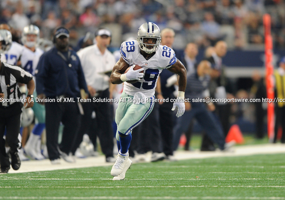 Oct 19, 2014: Dallas Cowboys Running Back DeMarco Murray (29) [16636] during an NFL game between the New York Giants and the Dallas Cowboys at AT&T Stadium in Arlington, TX  Dallas defeated New York 31-21