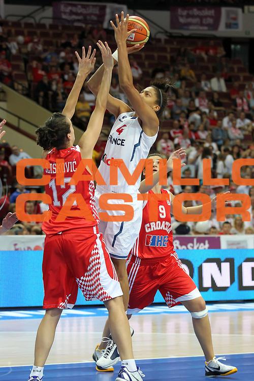 DESCRIZIONE : Katowice Poland Polonia Eurobasket Women 2011 Round 1 Francia Croazia France Croatia<br /> GIOCATORE : Emmeline Ndongue<br /> SQUADRA : Francia France<br /> EVENTO : Eurobasket Women 2011 Campionati Europei Donne 2011<br /> GARA : Francia Croazia France Croatia<br /> DATA : 18/06/2011 <br /> CATEGORIA : <br /> SPORT : Pallacanestro <br /> AUTORE : Agenzia Ciamillo-Castoria/E.Castoria<br /> Galleria : Eurobasket Women 2011<br /> Fotonotizia : Katowice Poland Polonia Eurobasket Women 2011 Round 1 Francia Croazia France Croatia<br /> Predefinita :