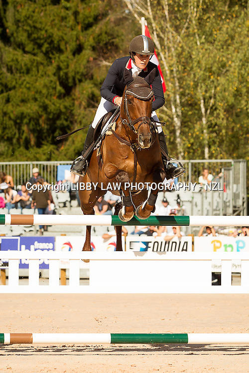 NZL-Annabel Wigley )(FROG ROCK) FINAL-33RD: CCI4* SHOWJUMPING: 2013 FRA-Les Etoiles de Pau (Sunday 27 October) CREDIT: Libby Law COPYRIGHT: LIBBY LAW PHOTOGRAPHY - NZL