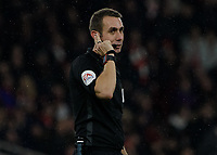 Football - 2018 / 2019 EFL Carabao (League) Cup - Fourth Round: Arsenal vs. Blackpool<br /> <br /> Referee David Coote consults his VAR at The Emirates.<br /> <br /> COLORSPORT/DANIEL BEARHAM