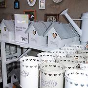 NLD/Elst/20120419 - Yvon Jaspers lanceert servieslijn, Diversen uit de productlijn van Natuurlijk Yvon