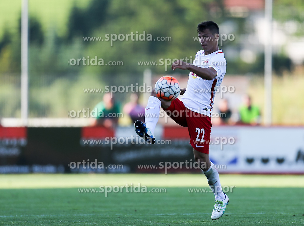 01.07.2016, Sportarena, Strasswalchen, AUT, Testspiel, FC Red Bull Salzburg vs BSC Young Boys, im Bild Stefan Lainer (FC Red Bull Salzburg) // during a friendly football match between FC Red Bull Salzburg and BSC Young Boys at the Sportarena in Strasswalchen, Austria on 2016/07/01. EXPA Pictures © 2016, PhotoCredit: EXPA/ Roland Hackl