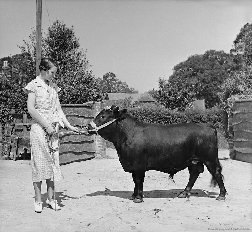 """""""Ellens"""", Rudgewick, Sussex, England, 1935"""