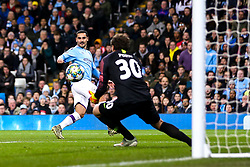 Ilkay Gundogan of Manchester City shoots at goal - Mandatory by-line: Robbie Stephenson/JMP - 26/11/2019 - FOOTBALL - Etihad Stadium - Manchester, England - Manchester City v Shakhtar Donetsk - UEFA Champions League Group Stage