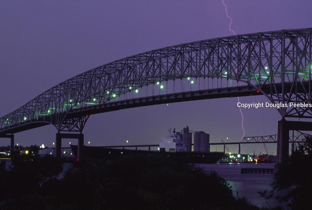 Lightning, bridge, Jacksonville, Florida<br />
