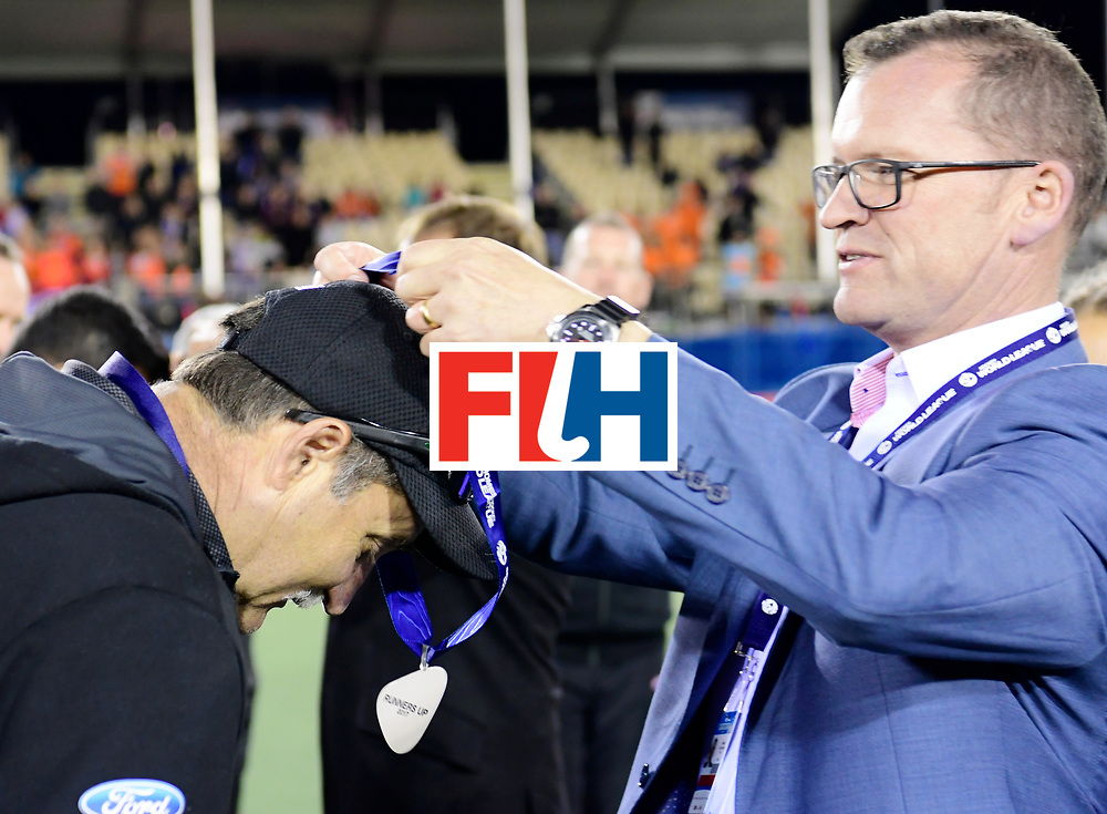 AUCKLAND - Sentinel Hockey World League final women<br /> Match id:10322<br /> Ceremonie<br /> Foto: Mark HAGER Head Coach and Jason McCracken<br /> WORLDSPORTPICS COPYRIGHT FRANK UIJLENBROEK