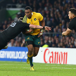 LONDON, ENGLAND - OCTOBER 31: Kieran Read of New Zealand looks to tackle Tevita Kuridrani of Australia during the Rugby World Cup Final match between New Zealand vs Australia Final, Twickenham, London on October 31, 2015 in London, England. (Photo by Steve Haag)