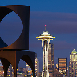 Sculpture and Seattle skyline at Kerry Park in the Queen Anne neigborhood of Seattle, Washington.