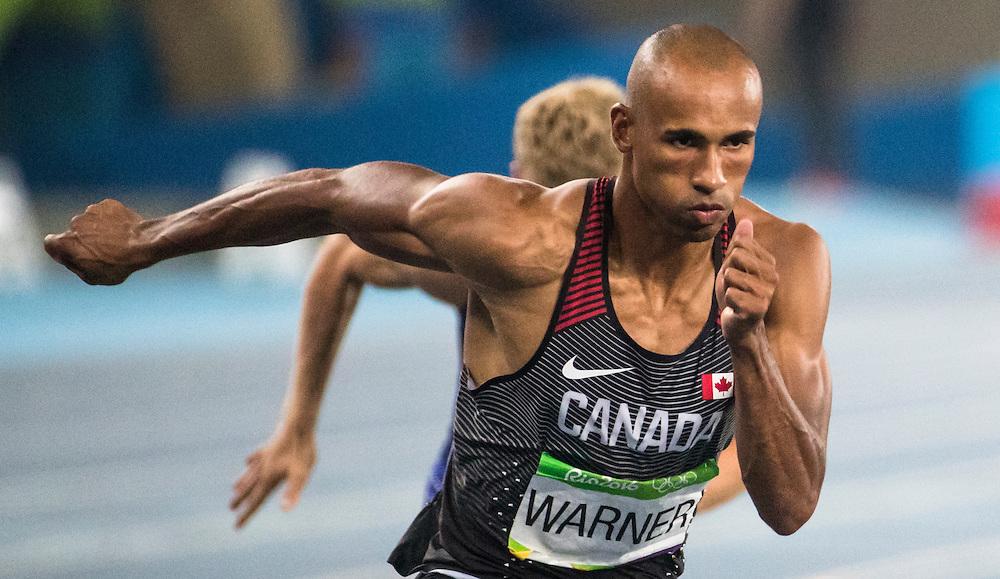Damian Warner runs the Olympic 400m meter decathlon in Rio de Janeiro on August 17, 2016.