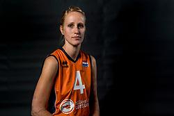 22-09-2017 NED: Portret zitvolleybalsters Oranje 2017-2018, Leersum<br /> Nederland bereidt zich voor op het komende EK zitvolleybal / Ellen Ceelen #4