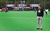 ZEIST - Hoofdklasse heren; Schaerweijde-Kampong (1-2). Assistent-Coachbij Schaerweijde, Stephan Veen Foto KOEN SUYK.