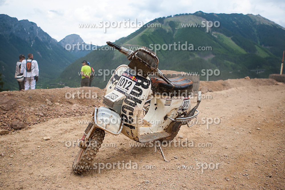 08.06.2012, Erzberg, Eisenerz, AUT, Erzbergrodeo 2012, Iron Road Prolog, im Bild Feature, Motorroller mit Panne, EXPA Pictures © 2012, PhotoCredit: EXPA/ M. Kuhnke