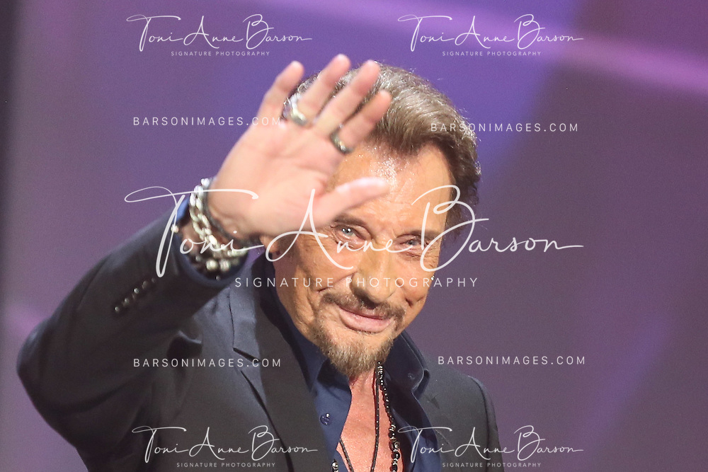 "PARIS, FRANCE - FEBRUARY 12:  Johnny Hallyday receives an awards during ""Les Victoires De La Musique"" at Le Zenith on February 12, 2016 in Paris, France.  (Photo by Tony Barson/FilmMagic)"