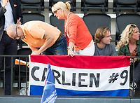 AMSTELVEEN -  Spandoek voor Carlien Dirkse van den Heuvel (Ned) bij Nederland-Tsjechie (dames) bij de Rabo EuroHockey Championships 2017.  COPYRIGHT KOEN SUYK