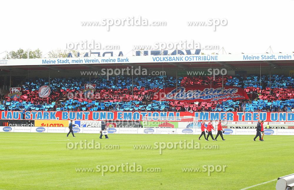 27.09.2015, Voith Arena, Heidenheim, GER, 2. FBL, 1. FC Heidenheim vs Karlsruher SC, 9. Runde, im Bild Choreo der fans des 1.FC Heidenheim // during the 2nd German Bundesliga 9th round match between 1. FC Heidenheim and Karlsruher SC at the Voith Arena in Heidenheim, Germany on 2015/09/27. EXPA Pictures &copy; 2015, PhotoCredit: EXPA/ Eibner-Pressefoto/ Langer<br /> <br /> *****ATTENTION - OUT of GER*****