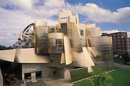 Minnesota. University of Minnesota, Frederick R. Weisman Art Museum in Minneapolis, designed by Frank O. Gehry in 1993