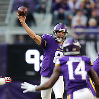 MINNEAPOLIS, MN - NOVEMBER 20: Sam Bradford #8 of the Minnesota Vikings drops back to pass the ball during the second half of the game against the Arizona Cardinals on November 20, 2016 at US Bank Stadium in Minneapolis, Minnesota. (Photo by Adam Bettcher/Getty Images)