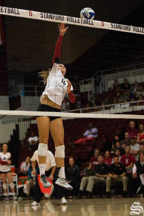 Stanford W. VBall defeats Oregon State 3-0 on Oct 4, 2014