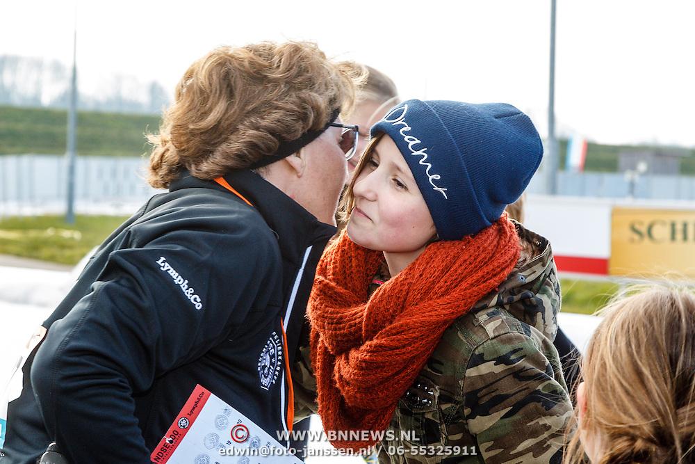 NLD/Biddinghuizen/20160306 - Hollandse 100 Lymphe & Co 2016, Pr. Margriet en kleindochter