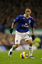 Liverpool, England - Wednesday, December 5, 2007: Everton's Steven Pienaar in action against Zenit St. Petersburg during the UEFA Cup Group A match at Goodison Park. (Photo by David Rawcliffe/Propaganda)