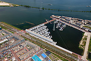 Nederland, Noord-Holland, Amsterdam, 14-06-2012; Steigereiland, IJburg, drijvende huizen aan de IJburglaan(b). Stekdam boven in beeld..New constructed urban development, residential district IJburg , floating houses, detail..luchtfoto (toeslag), aerial photo (additional fee required).foto/photo Siebe Swart