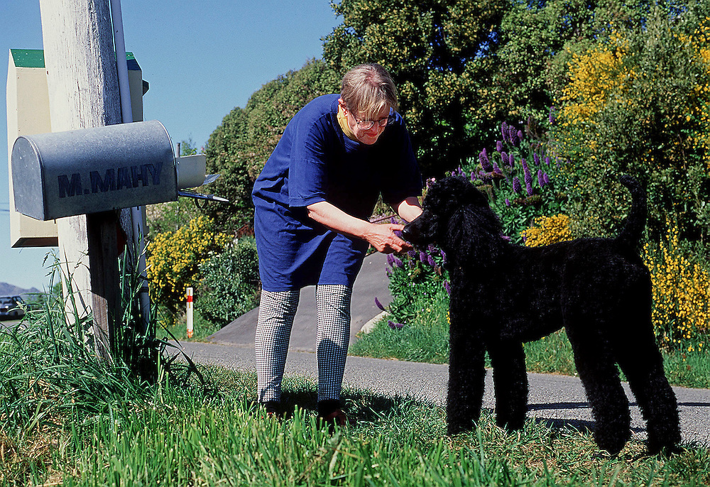 Author Margaret Mahy and standard Poodle, Cello,at her home in, Governors Bay, Christchurch , New Zealand (file pic) November,1993. Credit:  SNPA / David Alexander