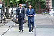 Ketelhuis, Amsterdam. Uitreiking Zilvereb Nipkowschijf 2018. Op de foto: Andre van Duin en Martin Elferink