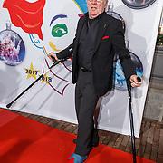 NLD/Amsterdam/20171221 - Premiere 33e Wereldkerstcircus, Harry Slinger met gebroken enkel