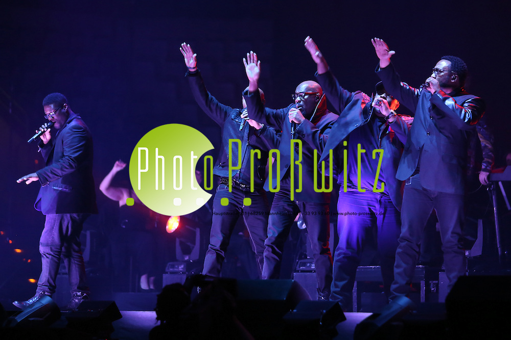 Mannheim. 19.12.12  SAP Arena. Konzert. Aida Night of the Proms 2012.<br /> - Naturally 7<br /> <br /> Bild: Markus Pro&szlig;witz 19DEC12 / masterpress /