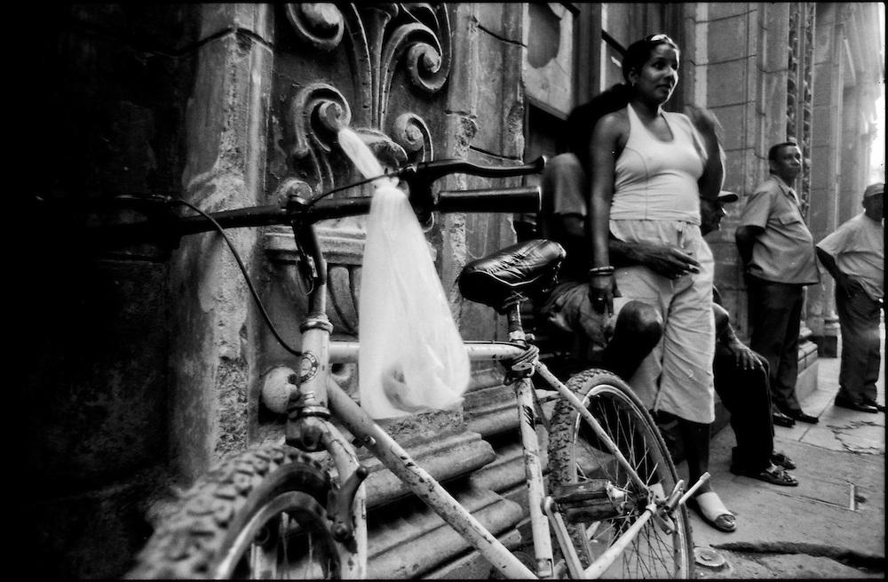 MISCEL&Aacute;NEAS<br /> Photography by Aaron Sosa<br /> Caracas - Venezuela 2009<br /> (Copyright &copy; Aaron Sosa)