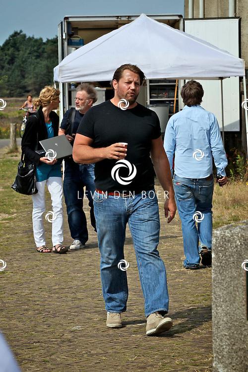 RADIO KOOTWIJK - Op de filmset van de nieuwe film Mega Mindy en de Snoepbaron. Met op de foto Dennis van der Geest die de rol van Rufus vertolkt. FOTO LEVIN DEN BOER - PERSFOTO.NU