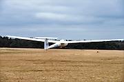 Nederland, Malden, 19-3-2016Zweefvliegseizoen is weer begonnen. Zweefvliegtuigen worden meestal met een haak en kabel, trekkabel,  door een lier omhoog getrokken.FOTO: FLIP FRANSSEN