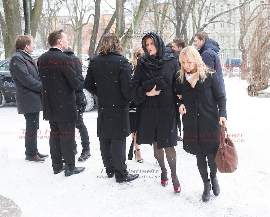 OSLO,  20140124:  Per Eirik Johansen bisettelse i Sofienberg kirke på Grünerløkka i Oslo. Mange artister og venner til stede i kirken.  Lene Nymo var gift med Per Erik Johansen.  FOTO: TOM HANSEN