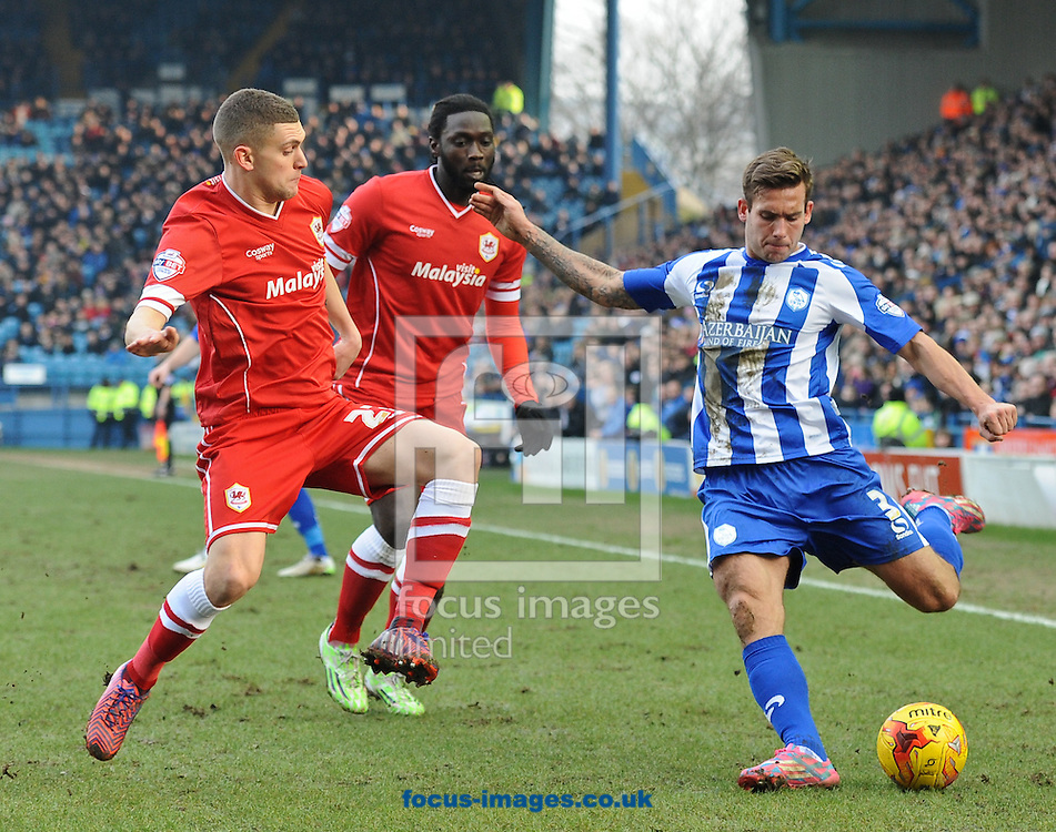 Joe Mattock of Sheffield Wednesday fires in a dangerous cross during the Sky Bet Championship match at Hillsborough, Sheffield<br /> Picture by Richard Land/Focus Images Ltd +44 7713 507003<br /> 07/02/2015