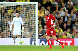 Lee Tomlin of Bristol City passes the ball in front of Sky Bet advertising boards - Mandatory by-line: Robbie Stephenson/JMP - 16/08/2016 - FOOTBALL - Carrow Road - Norwich, England - Norwich City v Bristol City - Sky Bet Championship