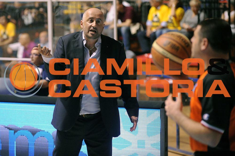 DESCRIZIONE : Torino LNP DNA Adecco Gold 2013-14 Manital Torino Angelico Biella Playoff Quarti di Finale<br /> GIOCATORE : Fabio Corbani<br /> CATEGORIA : Delusione<br /> SQUADRA : Angelico Biella<br /> EVENTO : Campionato LNP DNA Adecco Gold 2013-14<br /> GARA : Manital Torino Angelico Biella<br /> DATA : 09/05/2014<br /> SPORT : Pallacanestro<br /> AUTORE : Agenzia Ciamillo-Castoria/Max.Ceretti<br /> Galleria : LNP DNA Adecco Gold 2013-2014<br /> Fotonotizia : Torino LNP DNA Adecco Gold 2013-14 Manital Torino Angelico Biella Playoff Quarti di Finale<br /> Predefinita :