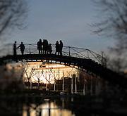 Passerelle de l'&eacute;cluse des R&eacute;collets, Canal Saint-Martin, Paris, Paris-Ile-de-France, France.<br /> Footbridge of the R&eacute;collets' canal lock, Canal Saint-Martin, Paris, Paris-Ile-de-France region, France.