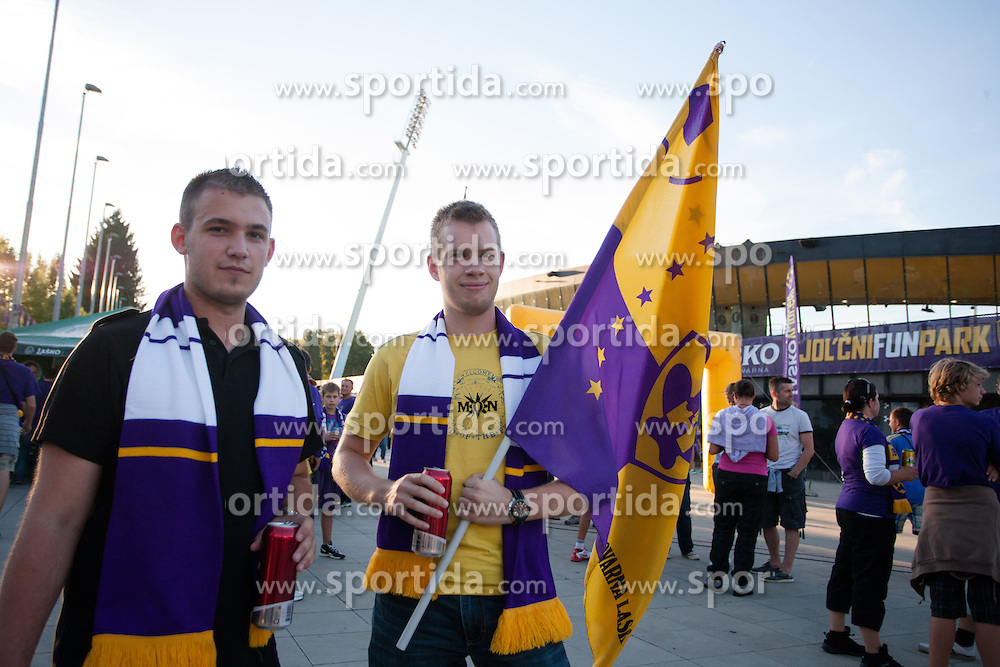 Fans before Play-offs for Champions League between NK Maribor (Slovenia) and GNK Dinamo Zagreb (Croatia), on August 28, 2012, in Maribor, Slovenia. (Photo by Matic Klansek Velej / Sportida.com)
