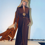 Modeshow Sheila de Vries 2004, Willem Lust en vriendin Merel