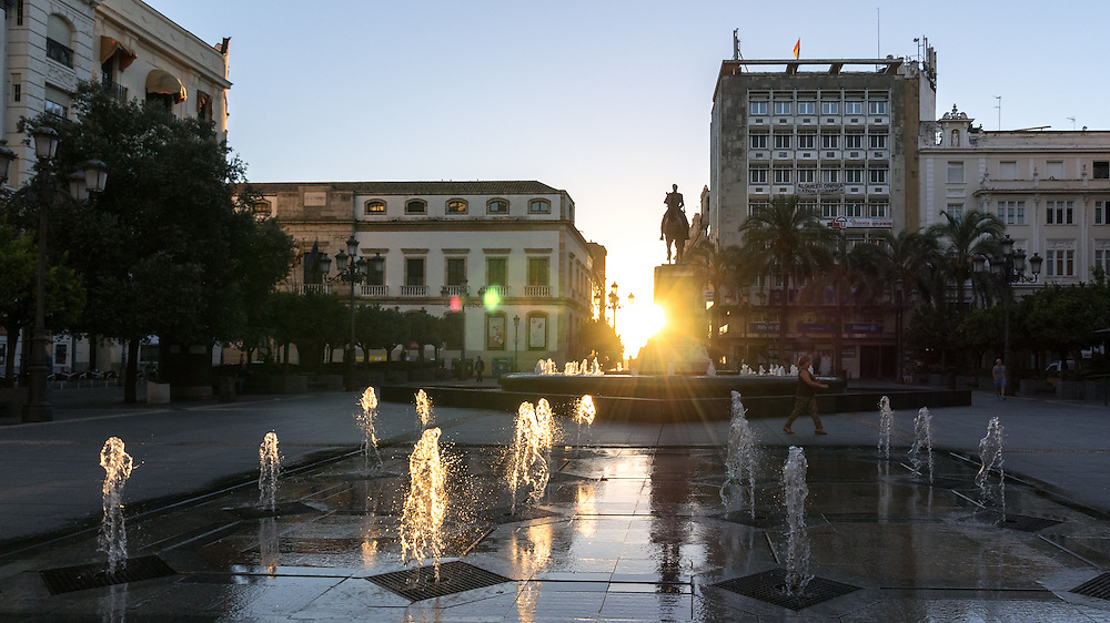 "The ""Plaza de las Tendillas"" at sunrise."