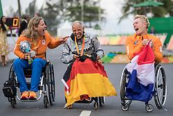 226 ESKAU Andrea H5 GER 228 de VAAN Laura, H5, NED, 229 JANSEN Jennette, Podium, Cycling, Road Race à Rio 2016 Paralympic Games, Brazil