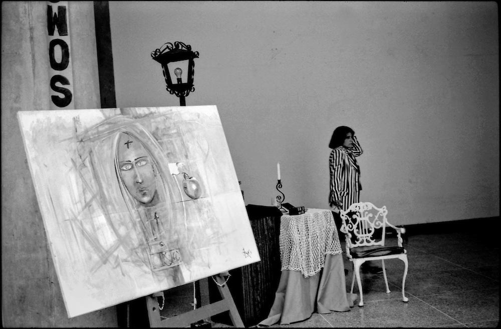 CARA-cas.Photography by Aaron Sosa.Caracas - Venezuela 2000.(Copyright © Aaron Sosa)