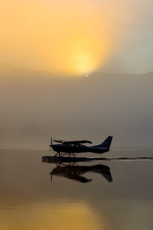 A Cessna 206 prepares for take off at Schwatka Lake, Yukon