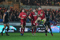 Scarlets' Steff Evans takes the high ball - Mandatory by-line: Craig Thomas/Replay images - 26/12/2017 - RUGBY - Parc y Scarlets - Llanelli, Wales - Scarlets v Ospreys - Guinness Pro 14