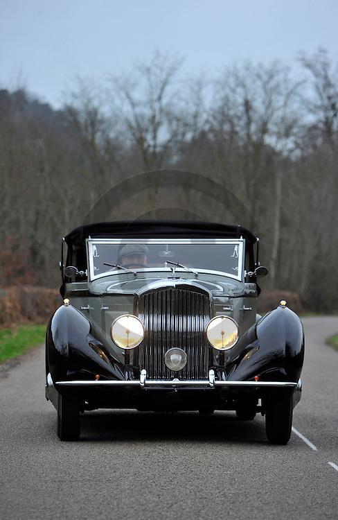 09/01/12 - CHAROLLES - SAONE ET LOIRE - FRANCE - Essais BENTLEY 3.5 de 1934, carrosserie Kellner - Photo Jerome CHABANNE