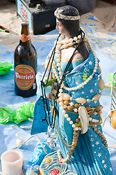 Montevideu, Uruguai    02/Fev/2006.Imagem de Iemanja.Festa de Iemanja na Playa Ramirez, em Montevideu/ Image from Iemanja.Devotees of the Afro-Brazilan  sea-goddess, Yemanja, during the celebrate day.Foto Adri Felden/Argosfoto