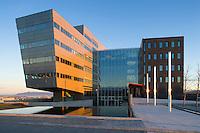 Höfuðstöðvar Orkuveitu Reykjavíkur að Bæjarhálsi 1. / Reykjavik Energy Head Offices at Baejarhals 1.